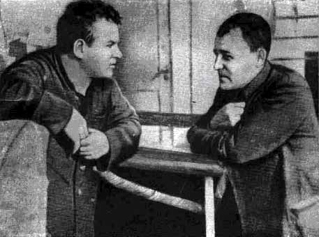 Sibiryakov crew: Chief Bochurko (let) and leutenant Elimelach